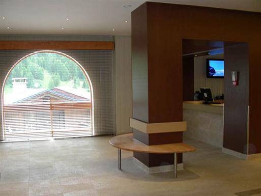 Rénovation du hall d'accueil, des appartements et services généraux